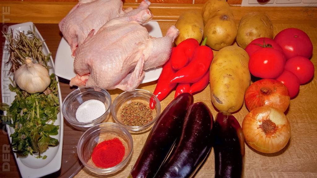 Die Zutaten der Hühnchenpfanne